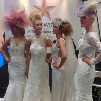 brides at salon international 2013